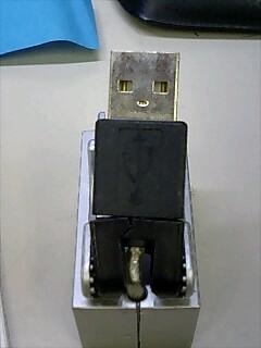 USBコネクターが顔に見える件について